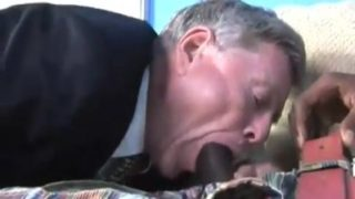 Mature man prefers black cock